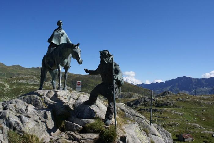 Gottard Passhöhe - круговой маршрут - пеший маршрут по перевалу Сент-Готтард в окрестностях Гёшенена - хайкинг в Швейцарии. Самые красивые маршруты