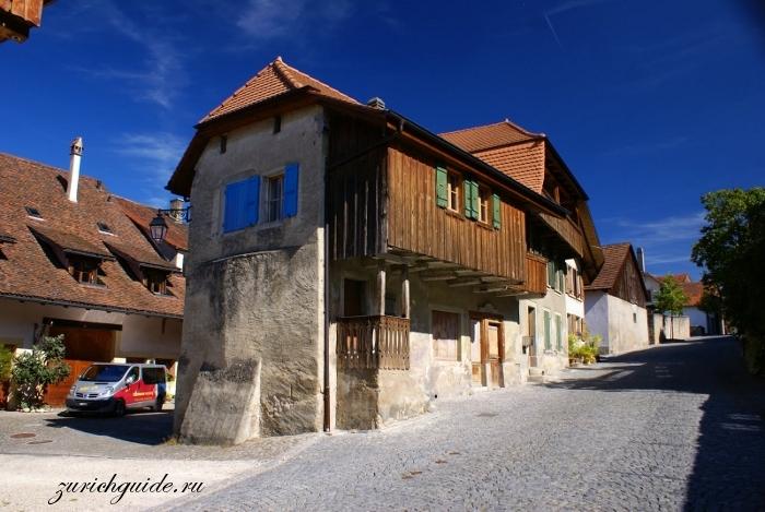 Аванш (Avenches), Швейцария - путеводитель по городу, достоппримечательности Аванша. Амфитеатр Аванша. Путеводитель по Швейцарии, города Швейцарии. Что посмотреть в Швейцарии