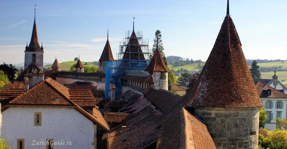 Murten-3 Муртен (Murten), Швейцария - путеводитель по городу, достопримечательности Муртена. Как добраться - расписание, стоимость. Фото Муртена, карта. Замок Муртен Муртен (Murten) или Морат (Morat)