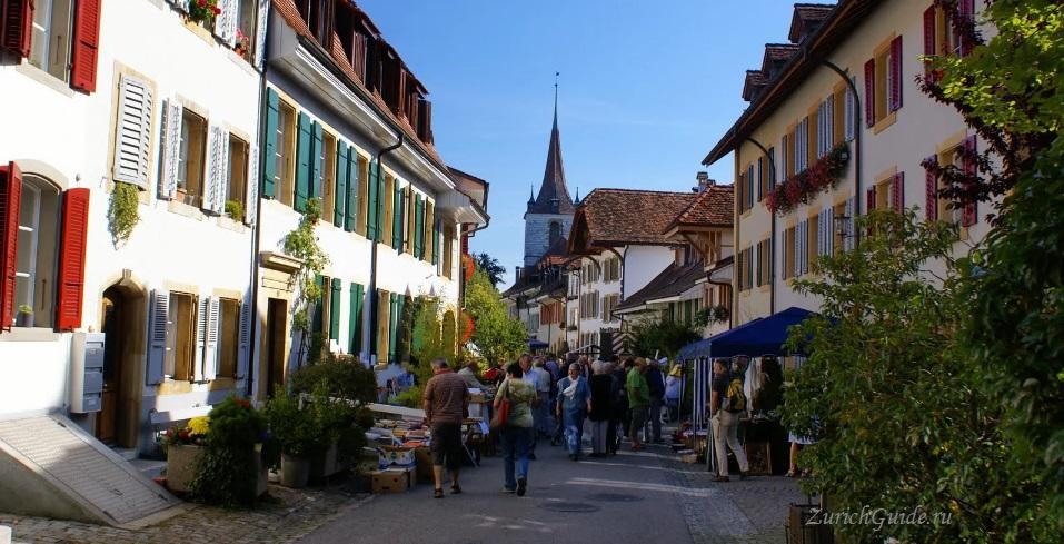 Murten-9 Муртен (Murten), Швейцария - путеводитель по городу, достопримечательности Муртена. Как добраться - расписание, стоимость. Фото Муртена, карта. Замок Муртен Муртен (Murten) или Морат (Morat)